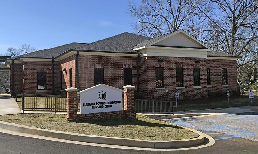 A view of the front of the Alabama Power Foundation Nursing Clinic